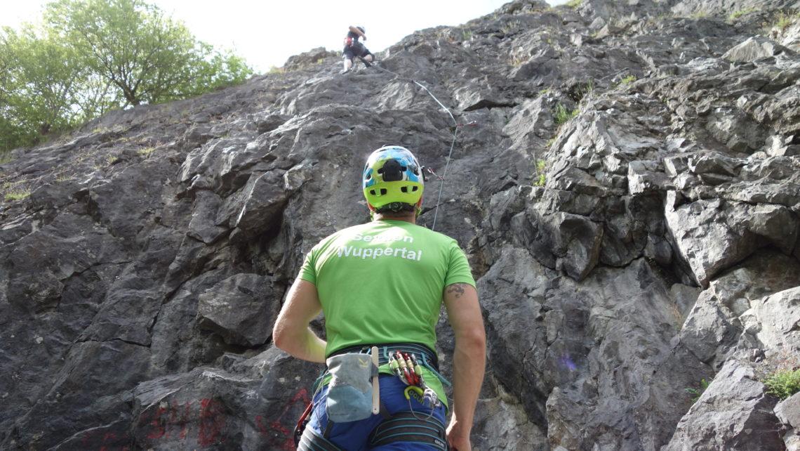 Bergsport Ausbildung Kurse Touren Grundkurs Felsklettern im Sauerland