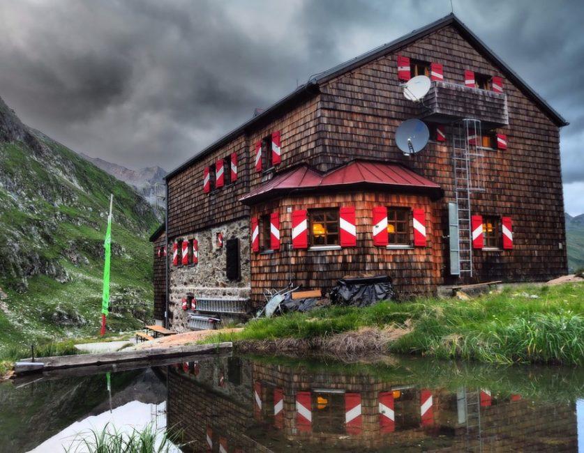 Elberfelder Hütte Portrait