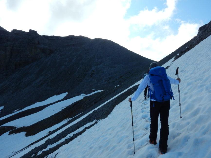 Lechtaler Höhenweg Juli 2019 -Überqueren von Schneefeldern