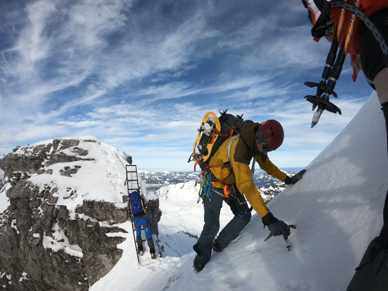Bergsport Wintertour Schneeschuhwandern Thaneller